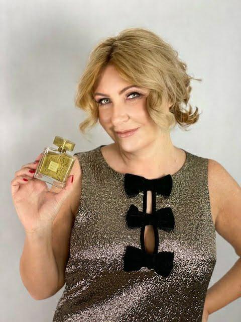 Litlle Black Dress Gold